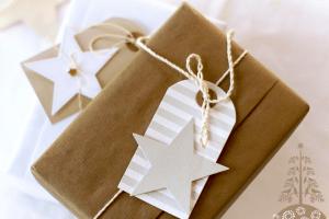 Etiquetas DIY para envoltorios de Navidad